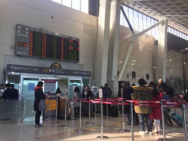 金浦機場入境.jpg