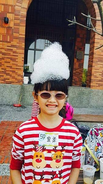 泡泡奇蹟的泡泡派對中的體驗項目-泡泡帽