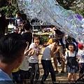 泡泡奇蹟-泡泡表演泡泡雲攻擊.