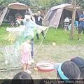 泡泡奇蹟-露營活動套人泡泡表演照片.jpg