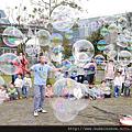 台唯一自主管理泡泡水送檢SGS合格安全無毒的泡泡表演街頭藝人泡泡奇蹟的泡泡秀