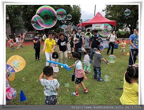 泡泡奇蹟帶來大型泡泡讓小朋友玩翻