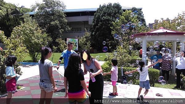 公益泡泡表演 衛生福利部北區兒童之家2.jpg
