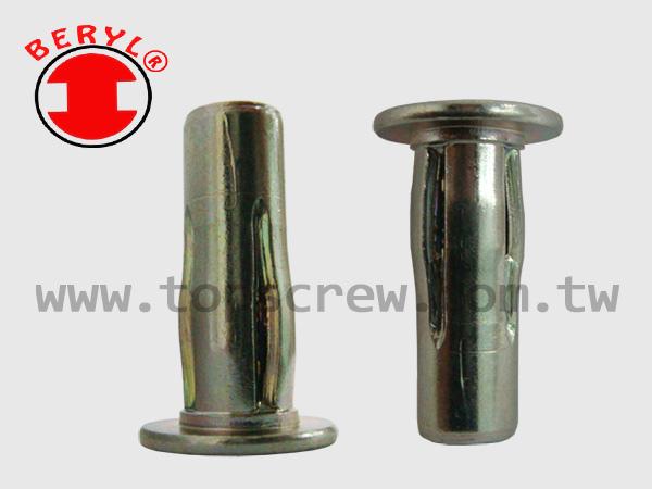 PLUSNUT-PRE-BULBED-2-topscrew
