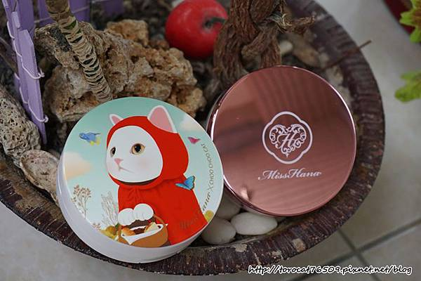 CHOO CHOO CATx玫塊金款 淨潤無瑕金屬氣墊粉餅.jpg