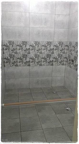 客浴磚完成.jpg