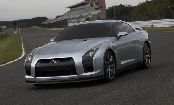 0511_05_900+Nissan_Skyline_GTR_Concept+Front_Drivers_Side_View.jpg