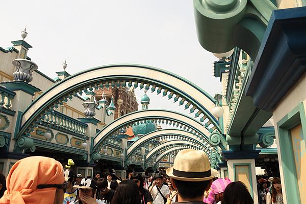 迪士尼:滿滿的人