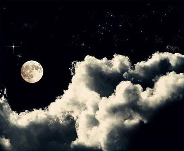 【勵志感人故事】月亮在看你