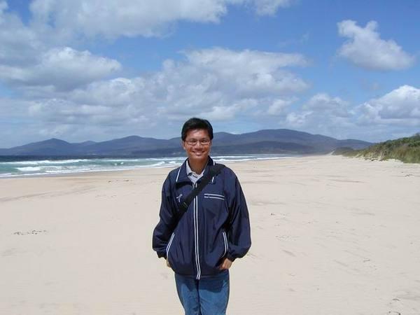 我在 Bruny Island 的沙灘上