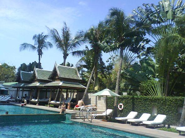 半島酒店的游泳池