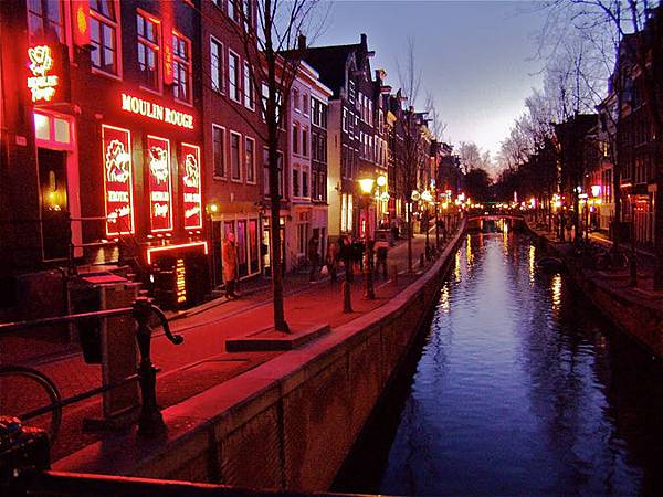 moulin-rouge-red-light-district-amsterdam.jpg