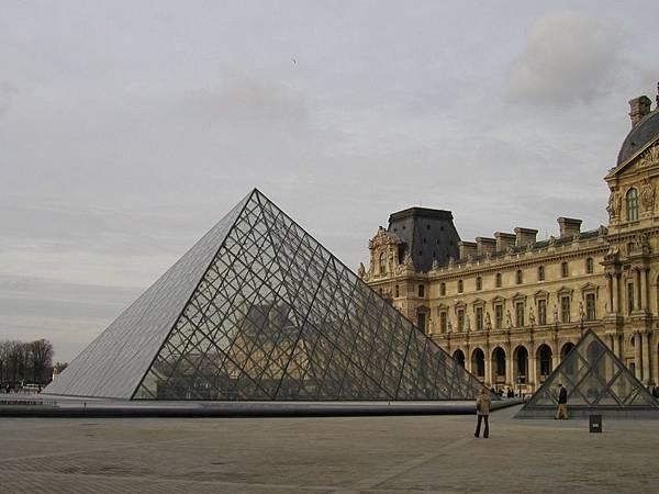 2003_Europe_Paris_118.jpg