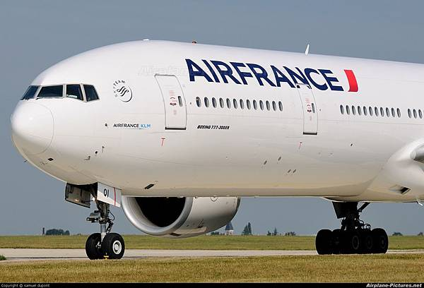 Air-France-Boeing-777.jpg