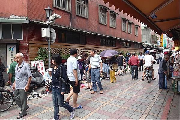 龍山寺旁山水街.JPG