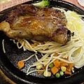 吼牛排館雞排20130922_ _1.jpg