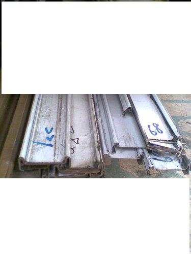 ap_F23_20101106024303485.jpg
