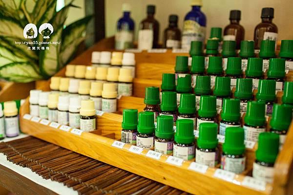 Tp&b館內有相當多種有機植物油,可以藉由香氛及呼應的過程來認識自己~文章出處: http://goo.gl/eUSp47 SPA,高雄spa館,spa按摩,高雄spa,高雄spa推薦,高雄按摩,精油,芳療
