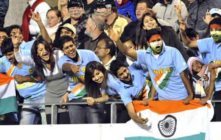 India_Fans.jpg