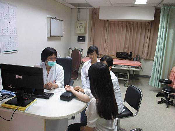 1040810-PGY-婦科教學門診-楊素卿醫師3.JPG