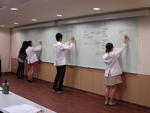 1050607-PGY-中醫內科教學-病因病機討論-蔡文興主任6 (640x480).jpg