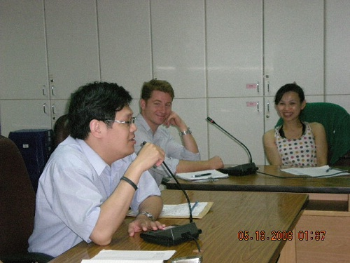 98/05/13 Dr. Travis 參與中醫院區中醫英文教學