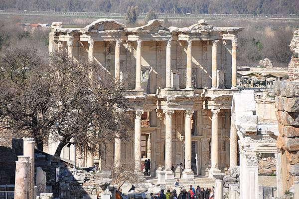艾菲索斯古城塞爾蘇斯圖書館