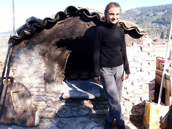 在席林潔小鎮遇到的土耳其小女孩與麵包烤爐