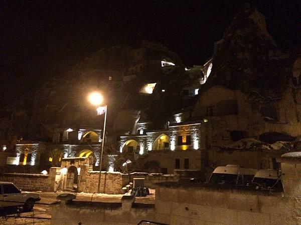 進卡帕多奇亞旅館前即景