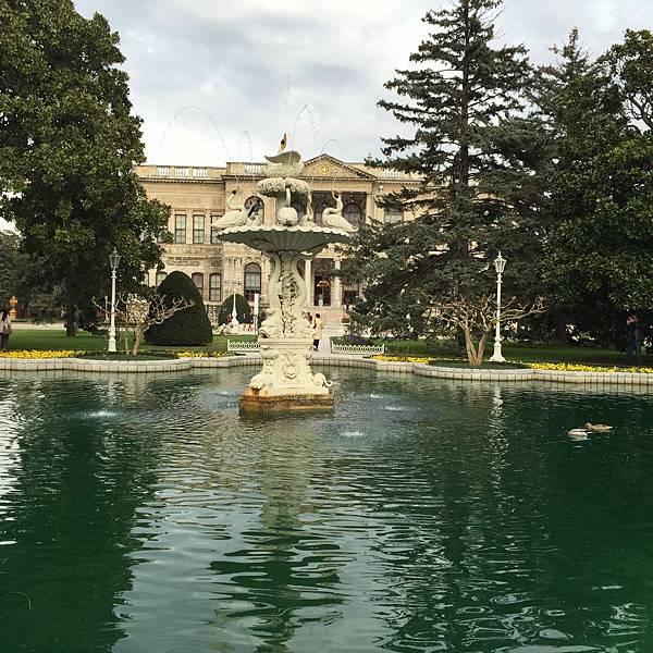 朵瑪巴切皇宮花園