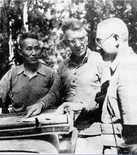 圖片11:史迪威(中)、孫立人、廖耀湘(右)在緬北前線