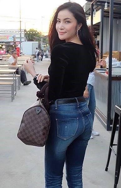 女神1艾麗莎·艾諾娃-泰國.jpg
