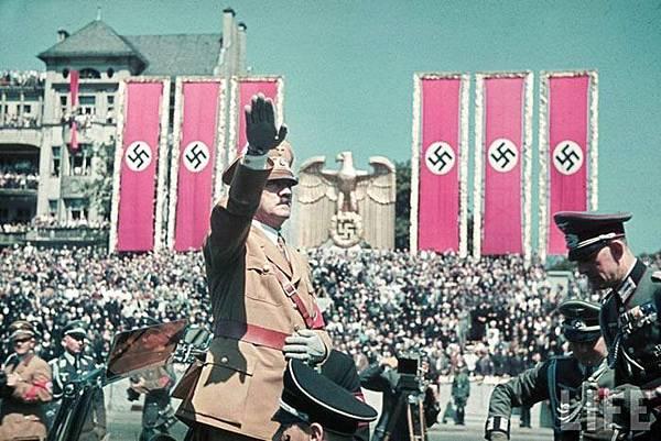 二次大戰德國納粹黨的符號.jpg