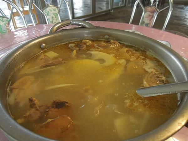 竹筍好甜的雞湯
