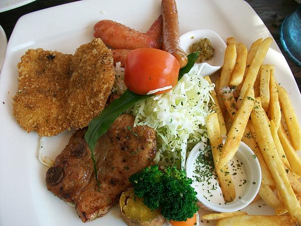 鳥人餐廳美味午餐
