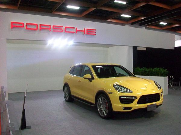 Porsche休旅