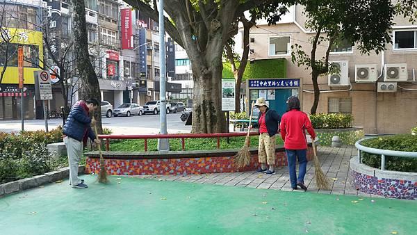 20170402四平公園社區服務_170403_0003.jpg