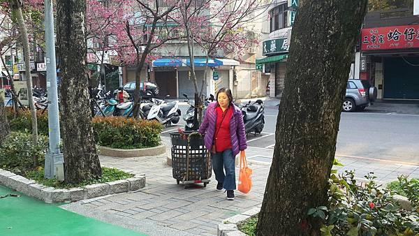 20170402四平公園社區服務_170403_0008.jpg
