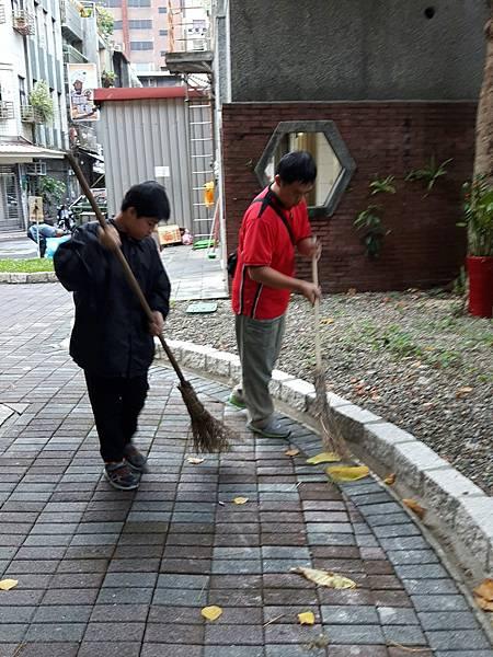 20171112四平公園社區服務_171203_0009.jpg
