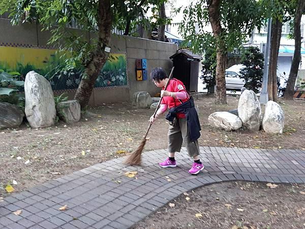 20171112四平公園社區服務_171203_0011.jpg
