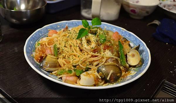 紅醬海鮮義大利麵