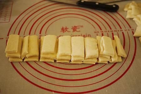 手作麵包-好香好柔軟的手撕煉乳麵包 (免分割整型唷)