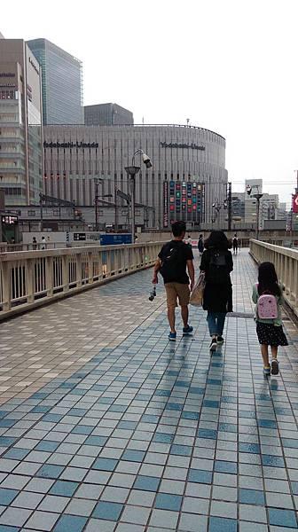 梅田天橋.jpg