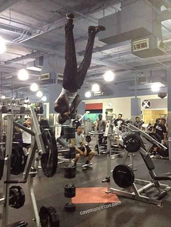 健身房的搞笑行為-06.jpg