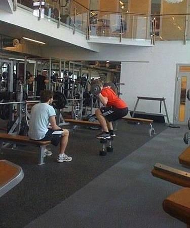 健身房的搞笑行為-07.jpg