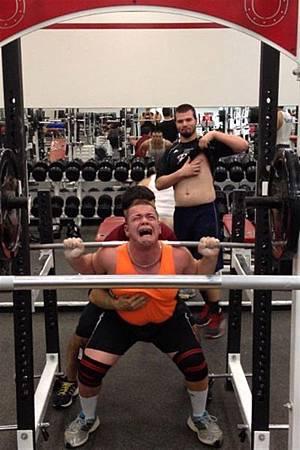 健身房的搞笑行為-20.jpg