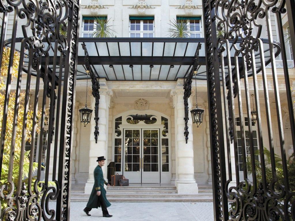 cn_image_0.size.shangri-la-hotel-paris-paris-france-111637-1