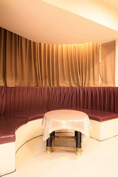 512-living room.jpg