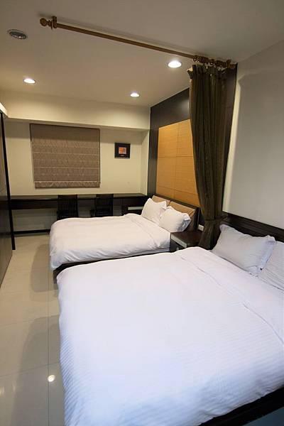 624-bed.jpg
