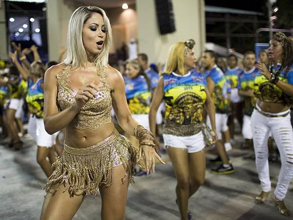 alx_carnaval-rio-ensaio-tecnico-beija-flor-sapucai-20150125-020_original